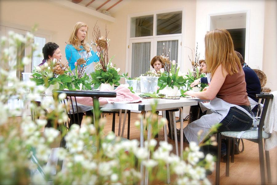 Pomp and Petals floral and flower workshops